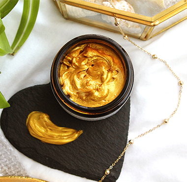 Evolve Beauty Gold Mask